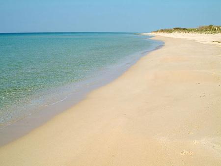 Nuova spiaggia naturista a Nido dell'Aquila