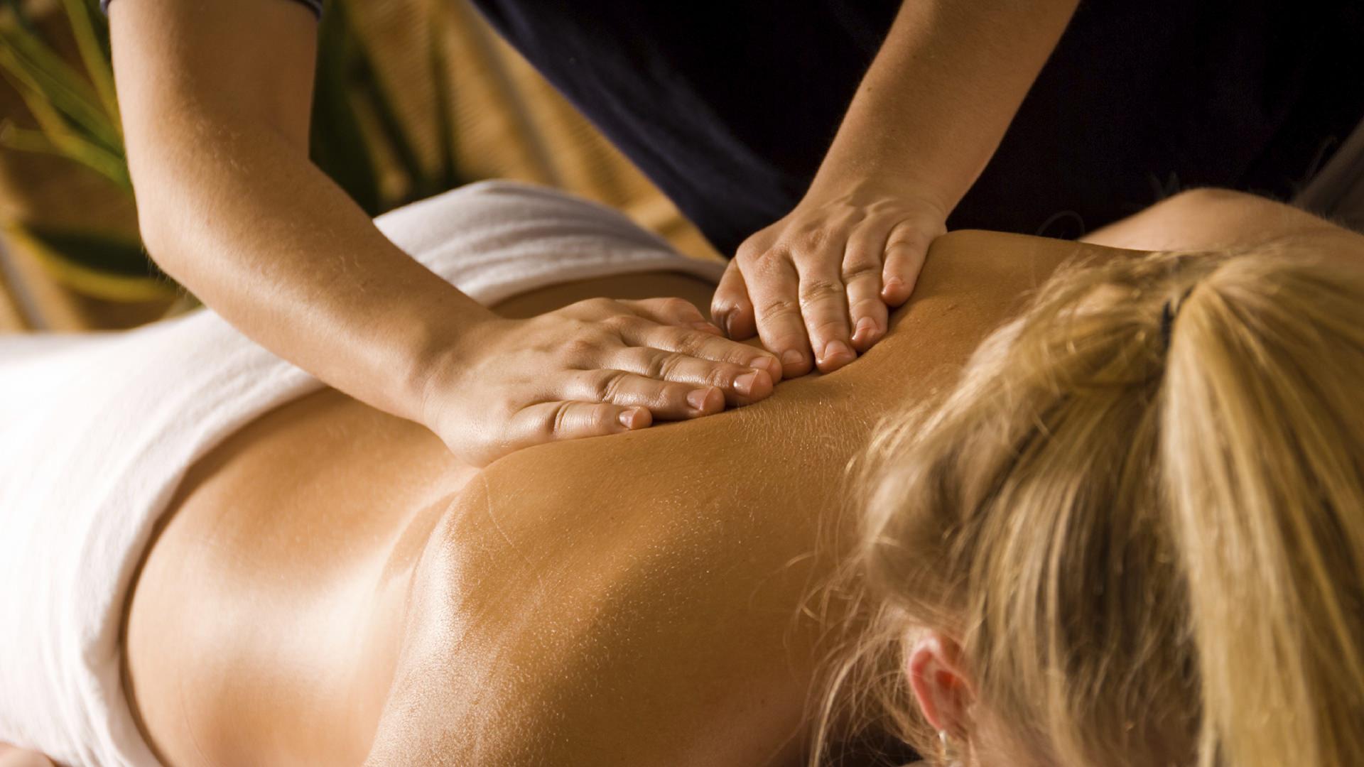 Troppo stress ti rende intrattabile? Scopri come rimediare con un massaggio rilassante